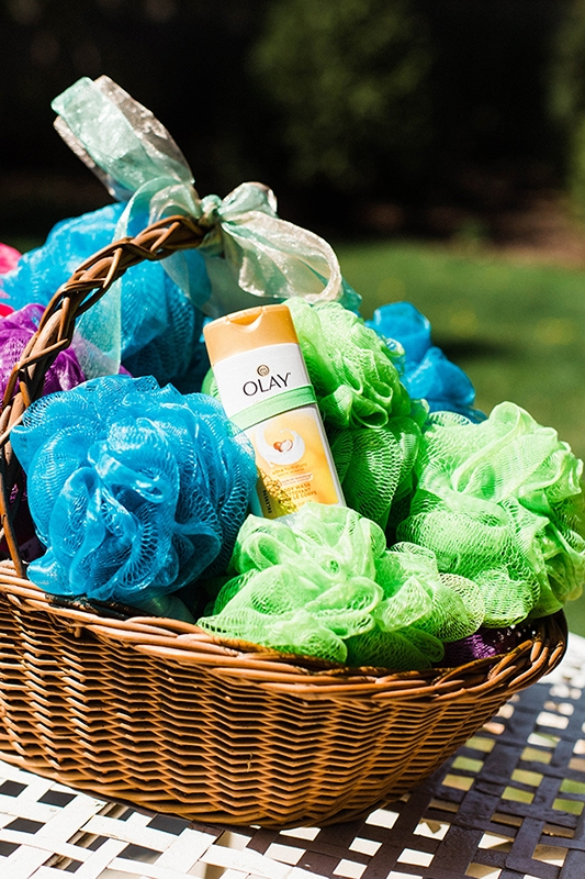 baby sprinkle gift basket with luffa and body wash